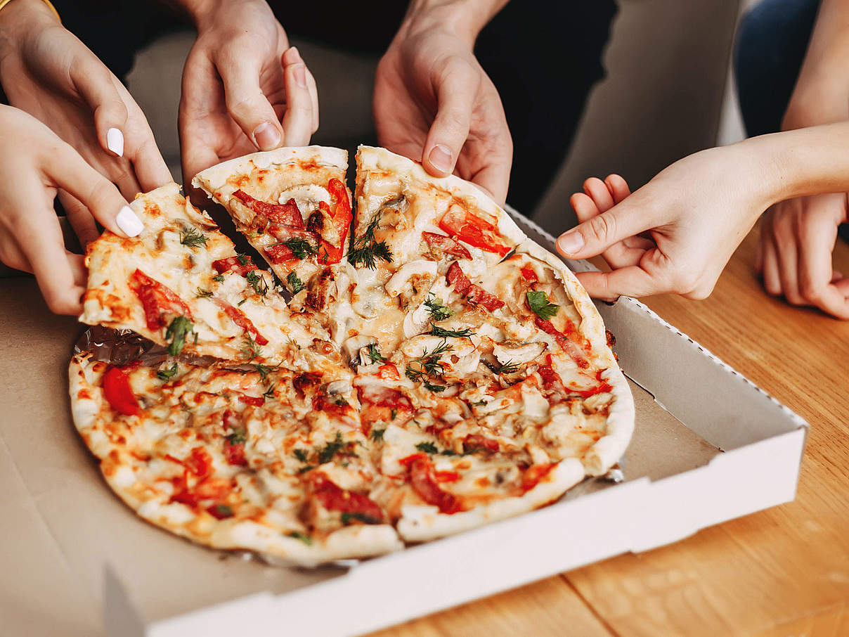 Pizza im Pappkarton © Vadym Petrochenko / iStock / Getty Images Plus
