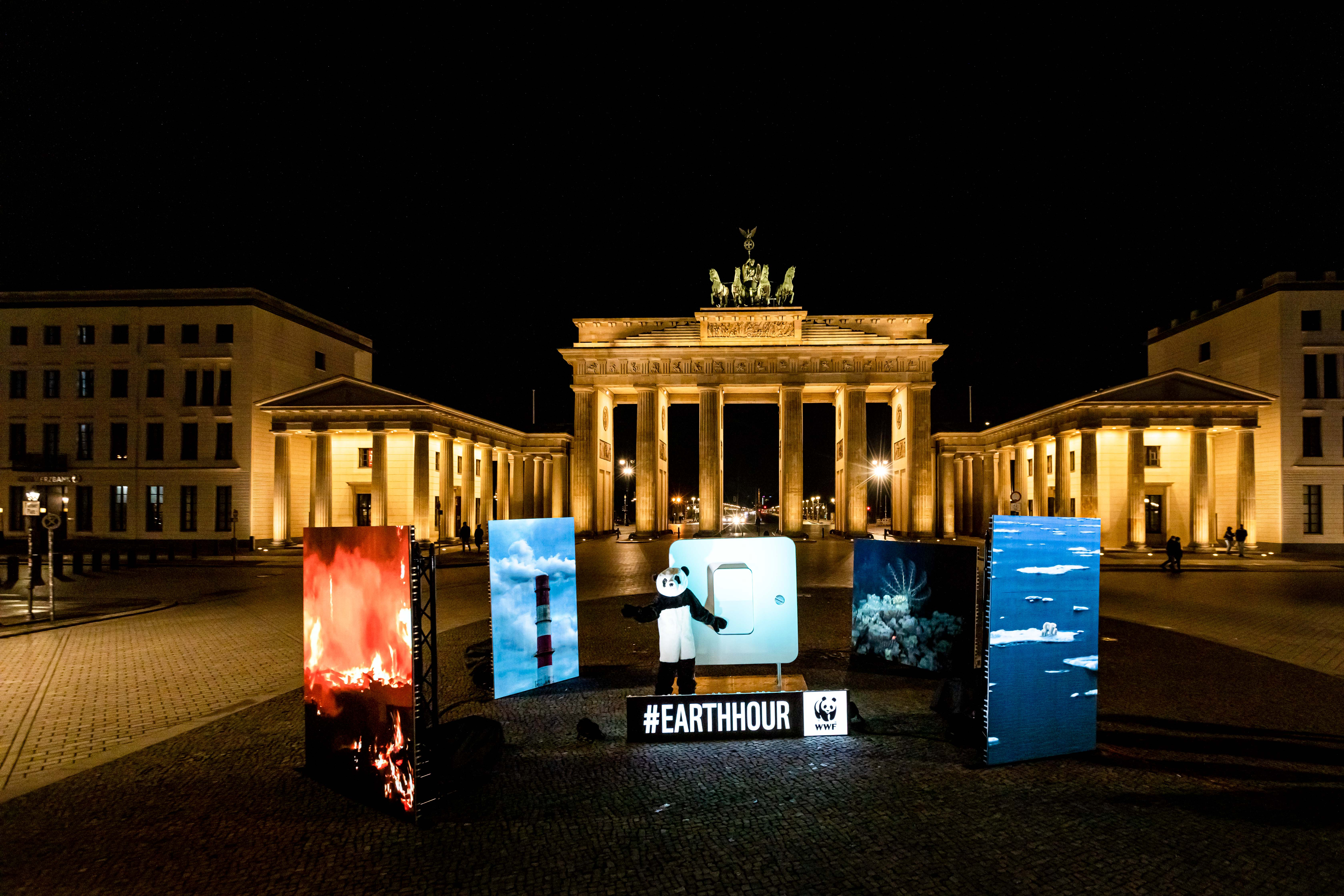 Earth Hour 2021 © Jörg Farys / WWF
